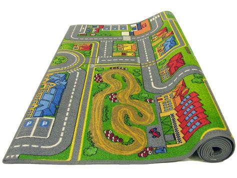 tapis chambre gar n voiture tapis enfant 100x165 cm playcity vente de tapis enfant