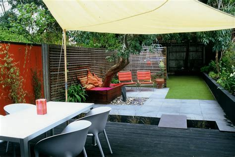 small contemporary house designs child synthetic lawn low maintenance and