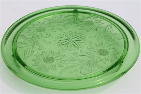 vintage green depression glass cake plate, Jeannette