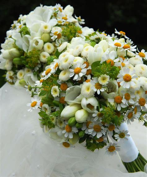 Svatebni uces 2 svět svatebcz. Svatební kytice pro maminky   Wedding, Table decorations ...