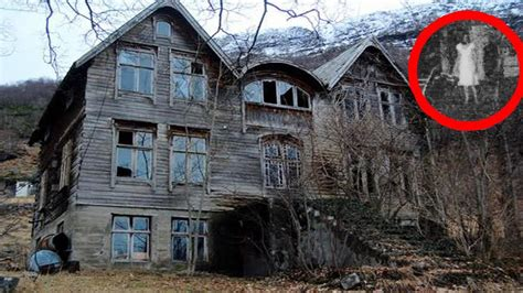 staying  night   real haunted house   zealand