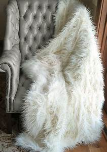 Couverture Fausse Fourrure : couverture fausse fourrure blanche ~ Teatrodelosmanantiales.com Idées de Décoration