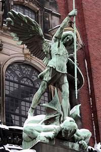 Auf Rechnung Bestellen Wiki : die 25 besten ideen zu erzengel michael auf pinterest saint michael erzengel und st michael ~ Themetempest.com Abrechnung