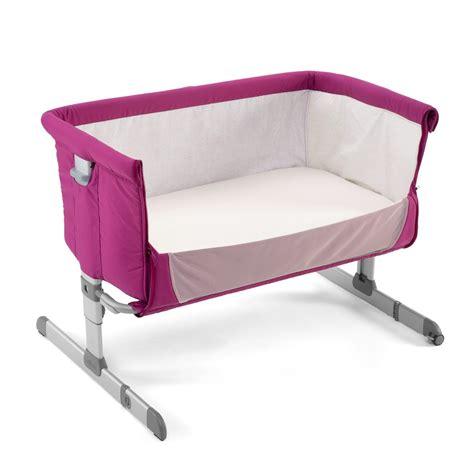 chaise bébé qui s accroche à la table lit bebe qui s 39 accroche au lit des parents