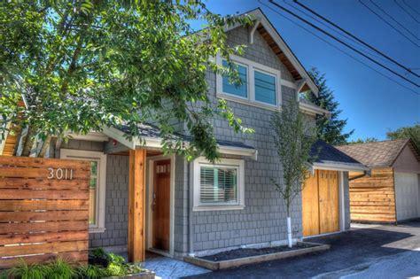 A Craftsman Style Laneway House Lanefab Small House Bliss
