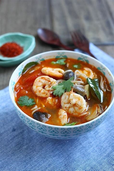 tom yum soup 15 minute tom yum noodle soup recipe dishmaps