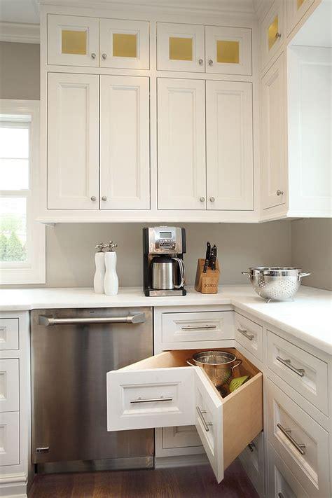 cuisine pratique et facile 30 corner drawers and storage solutions for the modern kitchen
