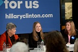 Chelsea Clinton Photos Photos - Chelsea Clinton Hits the ...