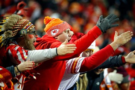 Chiefs under pressure to ditch the tomahawk chop ...