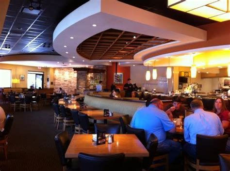 main dining area bar picture of california pizza