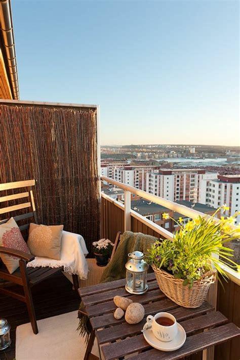 sichtschutz fuer terrasse und balkon draussen versteckt