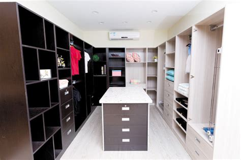 up your wardrobe with sophisticated spaces the closet