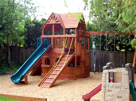Backyard Playground Ideas - places to play diy
