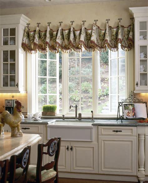 Large Kitchen Window Treatment Ideas by 30 Impressive Kitchen Window Treatment Ideas