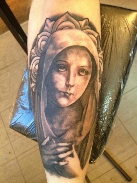 tatuaje brazo religioso virgen por holy  tattoos