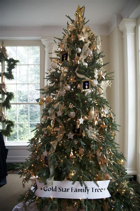 tree decorations white and gold decorating