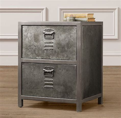 vintage locker nightstand pour la chambre vintage
