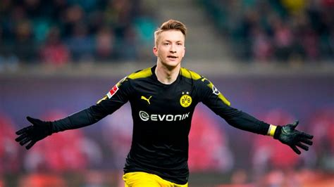 Marco Reus signs new five-and-a-half-year deal to stay at ...