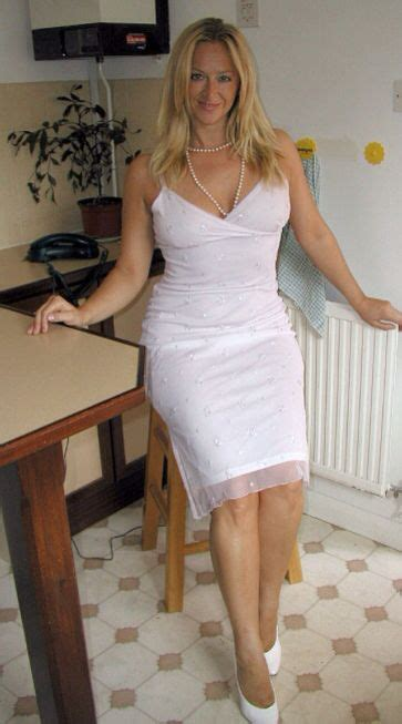 Milf Dream Legshowjo Nice Dresses Old Mature