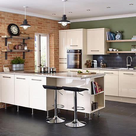 It Santini Gloss White Slab  Fitted Kitchens  Diy At B&q