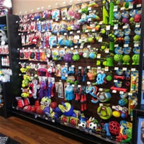pet valu 10 photos 11 reviews pet stores 6422