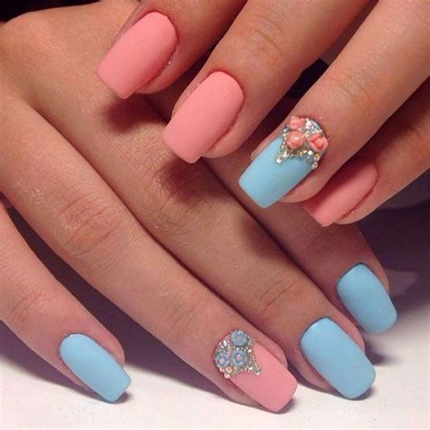 nail colors and designs best 25 two color nails ideas on nails