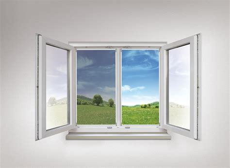 Fenster Von Innen Nass. Schimmel Im Zimmer Fenster Werden