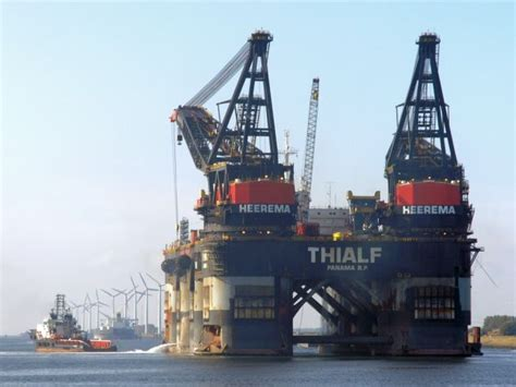 Biggest Boat Lift In The World by Sembcorp Marine To Construct Largest Crane Vessel In The World