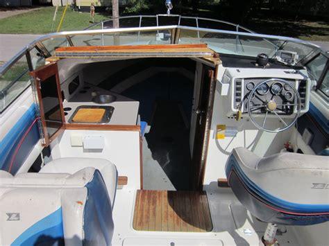 larson hampton    sale   boats