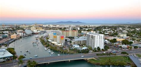 Boat Landing Townville by What To Do In Townsville Australia