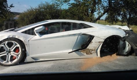 crashed white lamborghini car crash lamborghini aventador lp700 4 wrecked in czech
