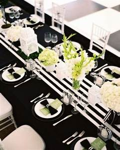 26 Elegant Black And White Thanksgiving Décor Ideas - DigsDigs