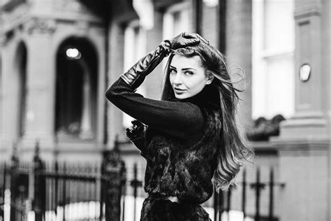outdoor portrait photoshoot  chelsea london margarita