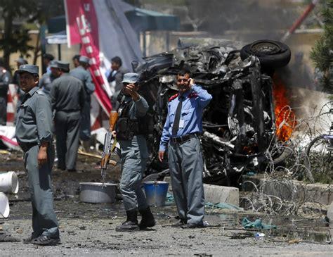 Jun 09, 2021 · ein abschiebeflug aus deutschland ist in afghanistan eingetroffen. Bild zu: Afghanistan: Tote bei Taliban-Anschlag auf Kabuls ...