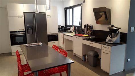 cuisine pour une personne cuisine allemande réalisée pour une personne handicapée