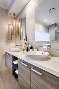 Design interieur agreable et moderne pour cette jolie for Salle de bain design avec décoration de bureau