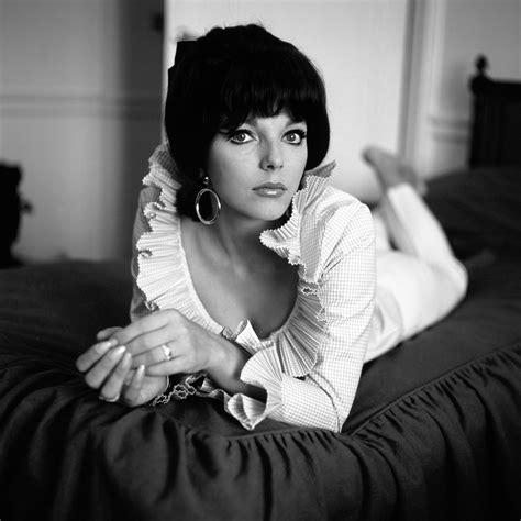 Joan Collinsannex