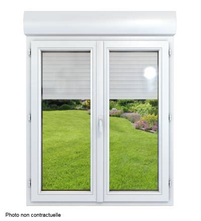 tablier noir de cuisine fenêtre monobloc pvc dormant de 100 mm avec volet roulant