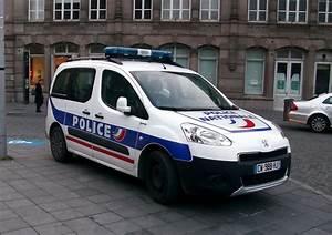 Voiture Police France : file police nationale gare de strasbourg janvier 2014 jpg wikimedia commons ~ Maxctalentgroup.com Avis de Voitures