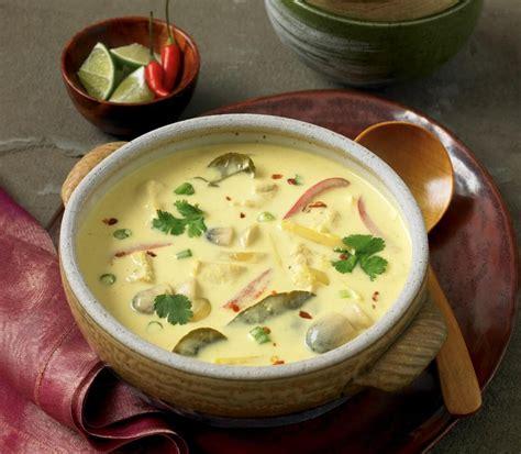 Zupa tajska z kurczakiem i mlekiem kokosowym - przepis ...
