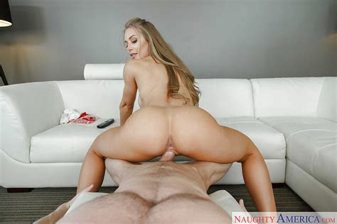 Hot Blonde Chick Nicole Aniston Giving Bj Before Anal