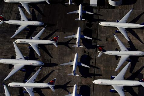 Top US airlines starting 32,000 furloughs as bailout hopes ...