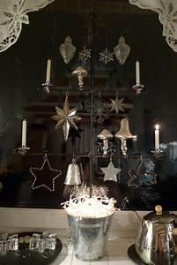 Weihnachtsbaum Gestell Metall : baum aus eisen mit adventsschmuck karin urban naturalstyle ~ Sanjose-hotels-ca.com Haus und Dekorationen