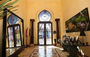 Villa In Miami With Dramatic Moroccan Architecture
