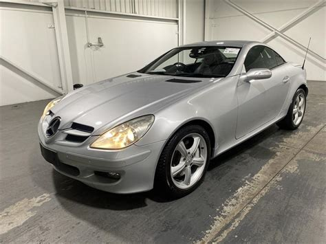 Mercedes benz slc price reviews images specs 2018 offers gaadi. 2005 MERCEDES-BENZ SLK 350 R171 SILVER 7 SP AUTOMATIC G-TRO 2D CONVERTIBLE F3 Motor Auctions
