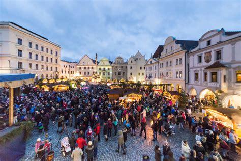 cesky krumlov christmas market   hotels
