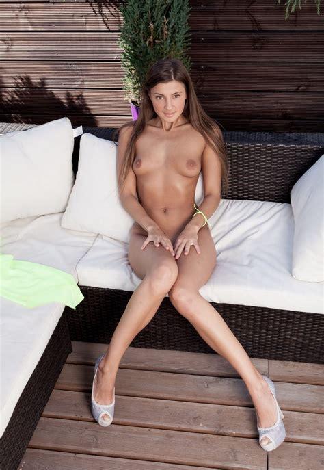 Lovely Masha E In Green Dress Russian Sexy Girls