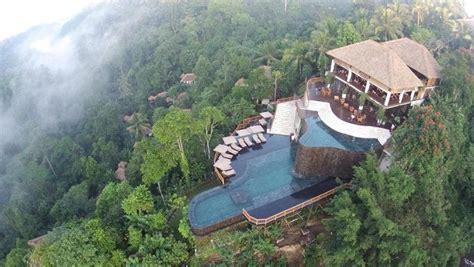 swimming pools   world escape