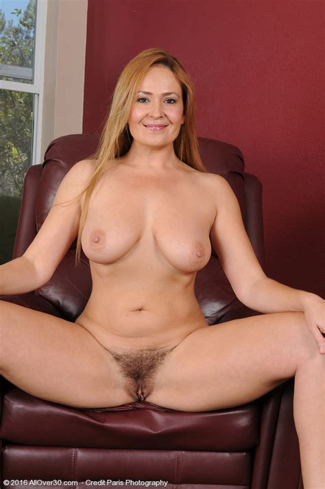 hot cougar elexis monroe loves exposing her muff 1 of 1