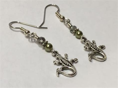 gecko beaded dangle earrings jills beaded knit bits